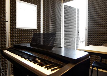 Akustik Piramit Sünger Piyano Odası Ses Yalıtımı